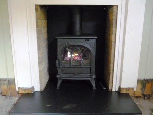 Black Huntingdon Stove by Stovax in snug area